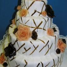 Štvor poschoďová torta